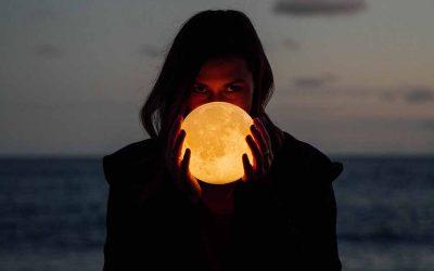 Volle Maan in Leeuw